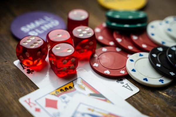 How to learn to play casino poker