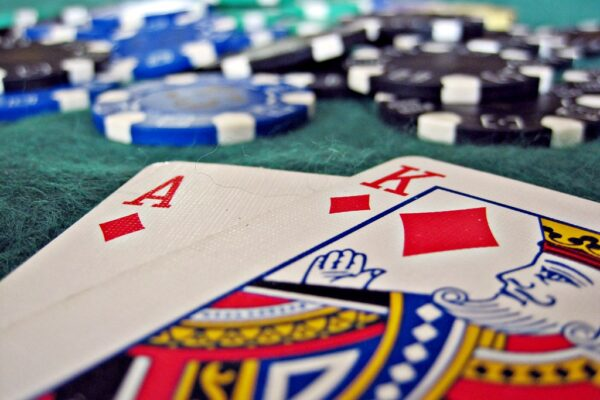 Play Blackjack Online for free at online casinos – tips on how to play in 5 easy steps